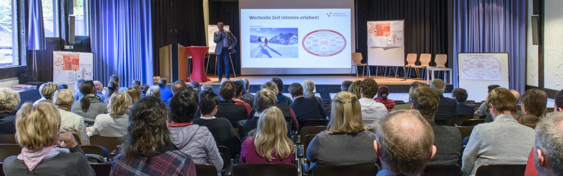 Rund 50 TeilnehmerInnen informierten sich beim GVA-Einstiegsworkshop in Schruns.